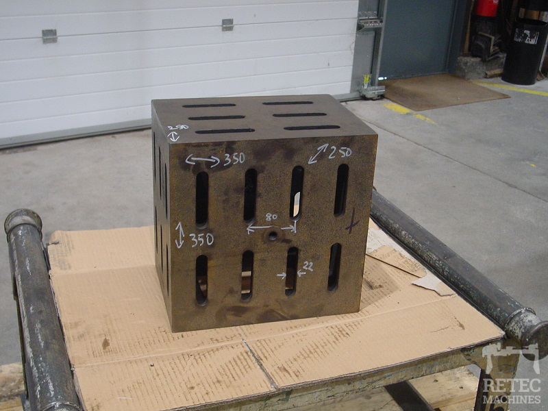 Cast iron clamping cube 350 x 350 x 250 mm