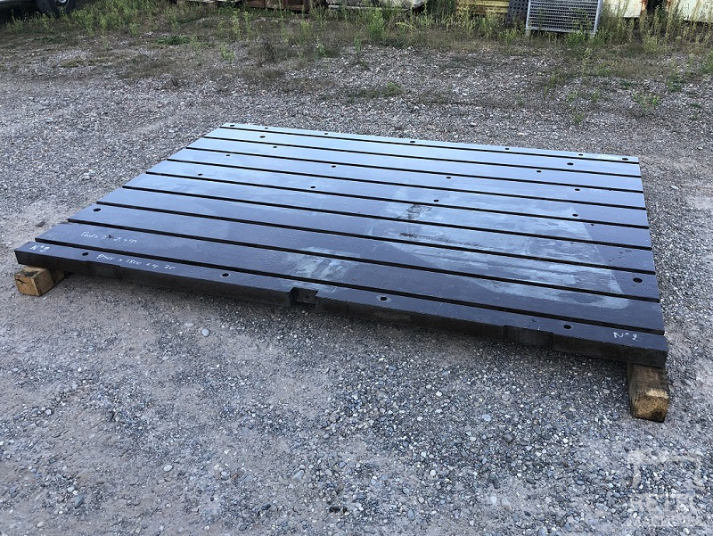 Cast steel bed 2500 x 1800 x 70 mm - No 2
