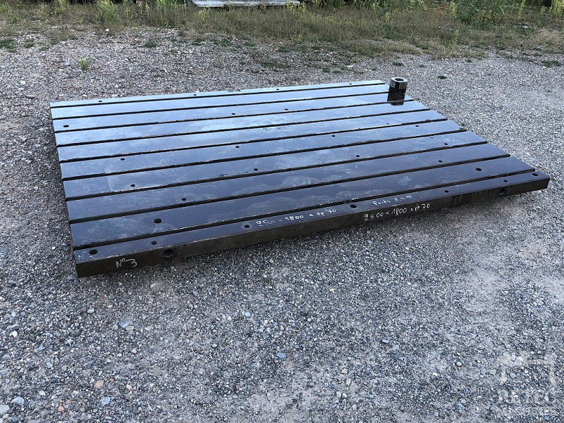 Cast steel bed 2500 x 1800 x 70 mm - No 3