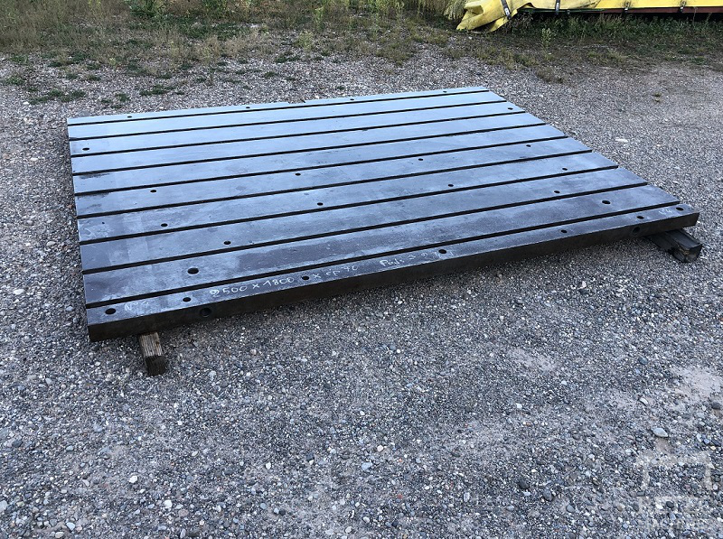 Cast steel bed 2500 x 1800 x 70 mm - No 4